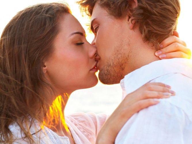 Страстный поцелуй перед сексом фото 6 фотография