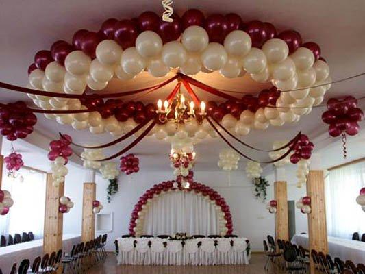 Украшение свадебного зала воздушными