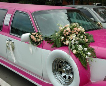 Украшения свадебных машин: атрибуты для незабываемого торжества