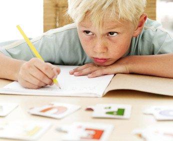 Ребенок не хочет писать и учится