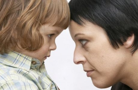 Ребенок не воспринимает маму