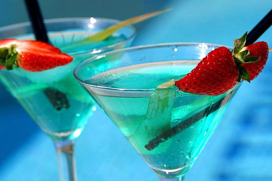 коктейль-голубая-лагуна-рецепт2