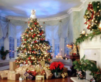 Holidays_New_Year_wallpapers_Christmas_tree_with_gifts_019155_