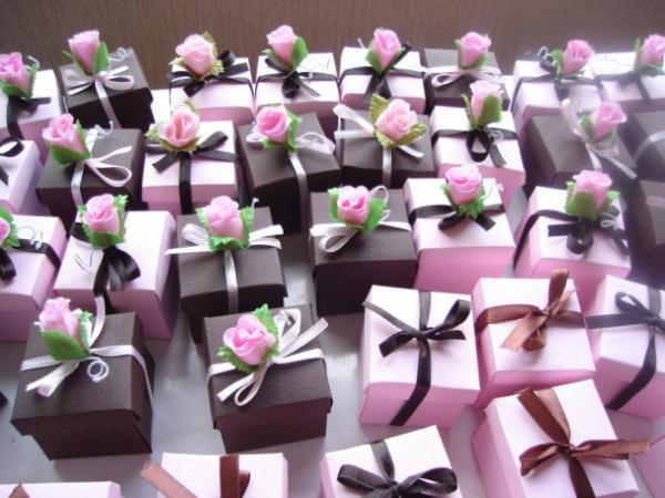 Какой подарок сделать на свадьбу: идеи лучших традиционных 58