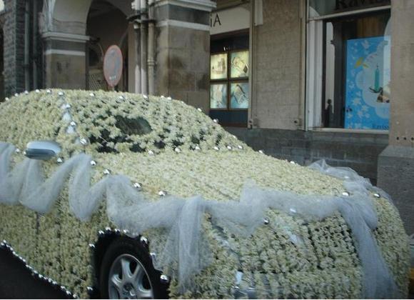 Как закрепить ленты на капоте свадебной машины